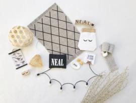 Textiel | Naamkussen | zwart + wit | Type Neal