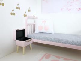 Textiel | slaapkamer | Kussentje  | 4 x 5 cm |  Wit + Roze cherry