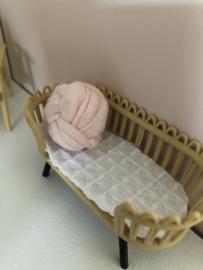 Slaapkamer  Textiel | beddengoed | bedbank matras | 1:12 | wit