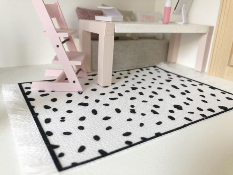 Vloeren   dots   zwart-wit   M