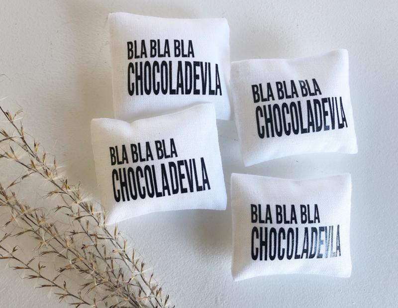 Slaapkamer | textiel | 4 x 5 cm | Bla bla bla Chocoladevla