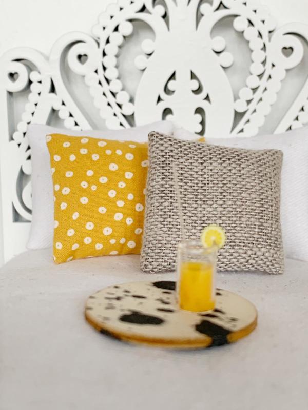Textiel   kussens   4 x 5 cm   taupe blanco