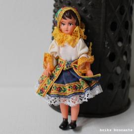 poppenhuispoppetje - klederdracht