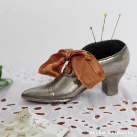 speldenkussen schoen