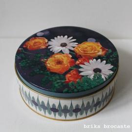 blik / koektrommel bloemen