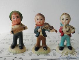 3 oude plastic beeldjes