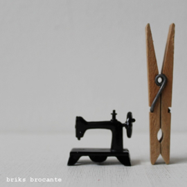 poppenhuis - naaimachine
