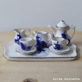 miniatuur porceleinen servies