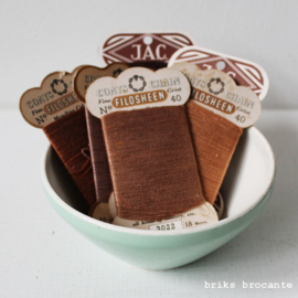 set vintage garenkaartjes bruin