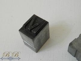 drukletter lood - M