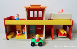 Fisher Price Play Family Village