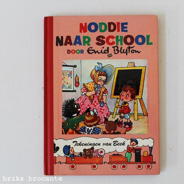 Noddie naar school