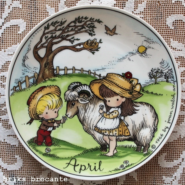 bord APRIL - joan walsh anglund