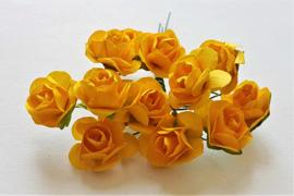 Paper Rose 1,5 cm - OranjeGeel (set 12 stuks)