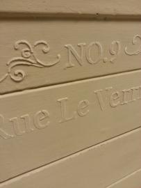 Hoedendozen  verven met annie sloan chalk paint  2015