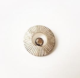 Zilveren hanger bewerkt rond met rookkwarts edelsteen