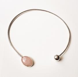 Zilveren spang met rosekwarts edelsteen
