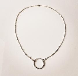 Zilveren collier met bolletjes hanger