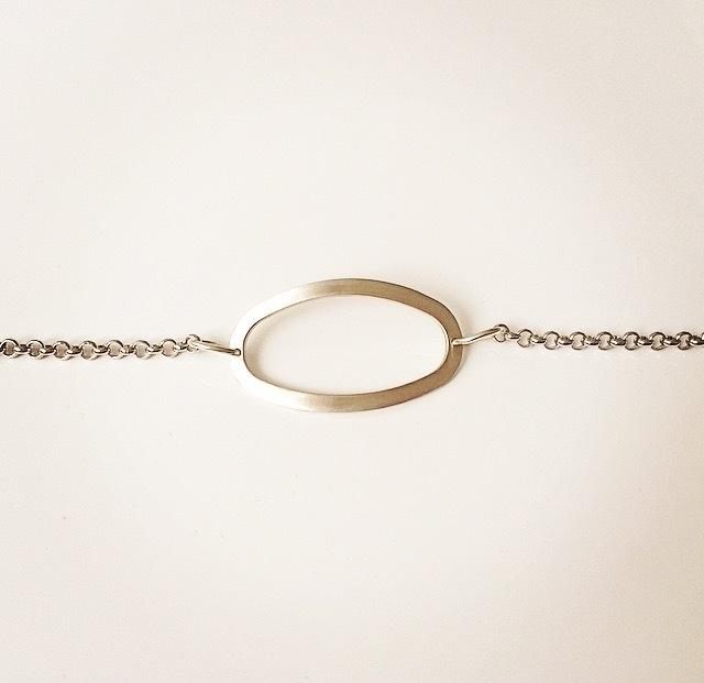 Armband zilveren ovaal gematteerd