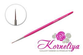 Korneliya Penseel Universal Liner