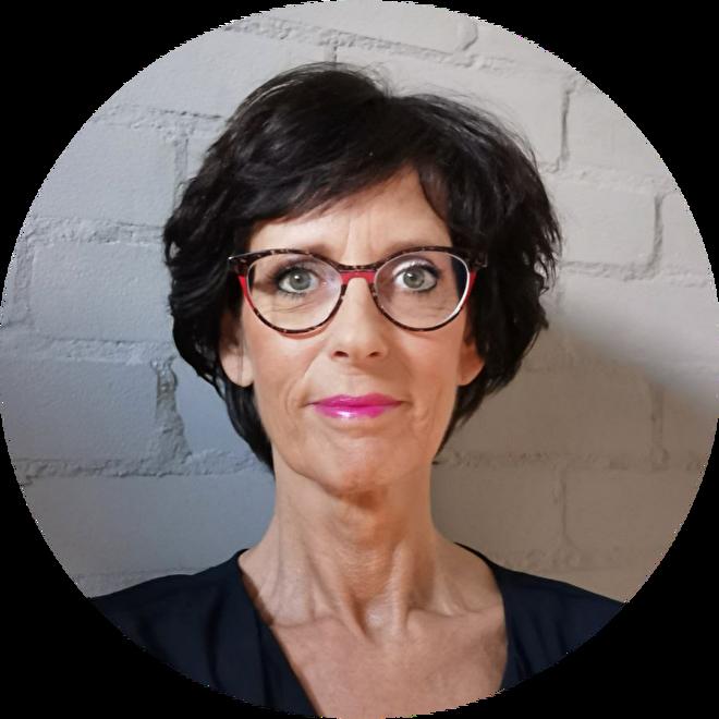 Korneliya Nailart Expert Desiree