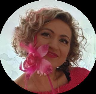 De beste nail art styliste Nataliya Kornyeyeva