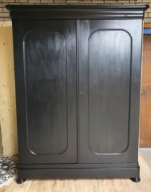 Megagrote antieke mahonie Biedermeier linnenkast / kledingkast Pure Black