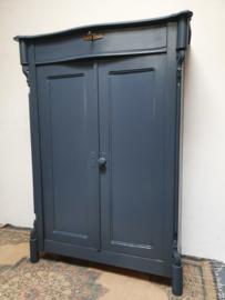 Antieke stoere landelijke meidenkast Denim Blue