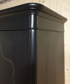 Antieke grote Biedermeierkast Pure Black