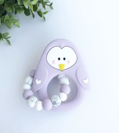 Little Cheeks - Teething Ring + Rattle Pinguin lilac