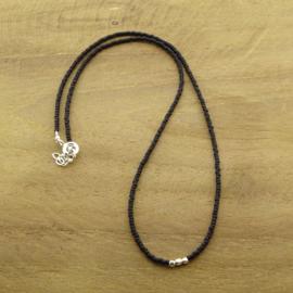 Minimalist necklace // Black Silver