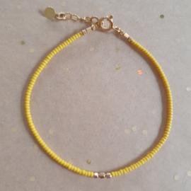 Minimalist // Yellow Gold