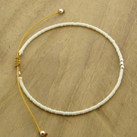 Minimalist // Off white Silver