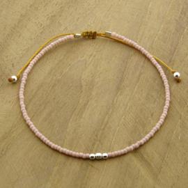 Minimalist // Soft pink Silver