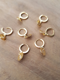 Initial earring // Gold