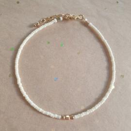 Minimalist // Cream Gold