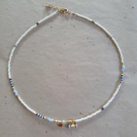 Kaia Necklace // White