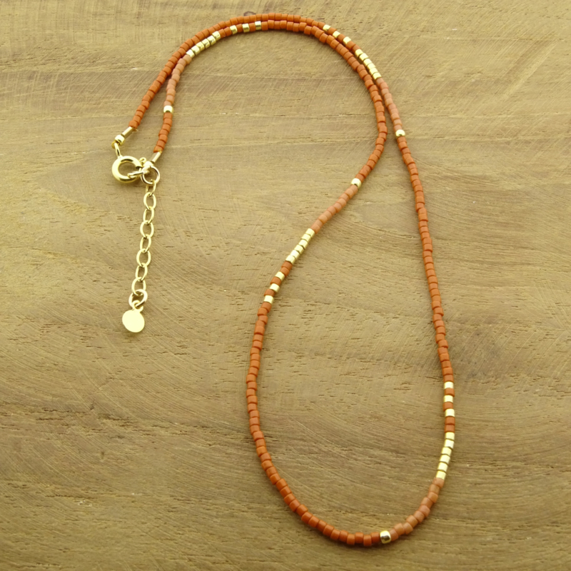 Beaded necklace // Rusty
