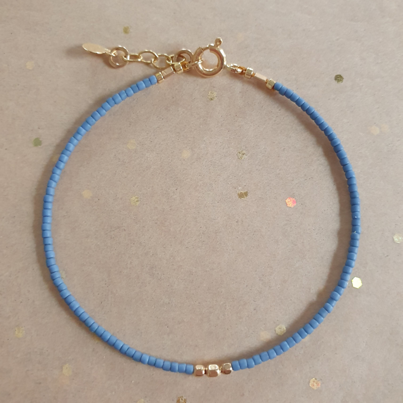 Minimalist // French Blue Gold