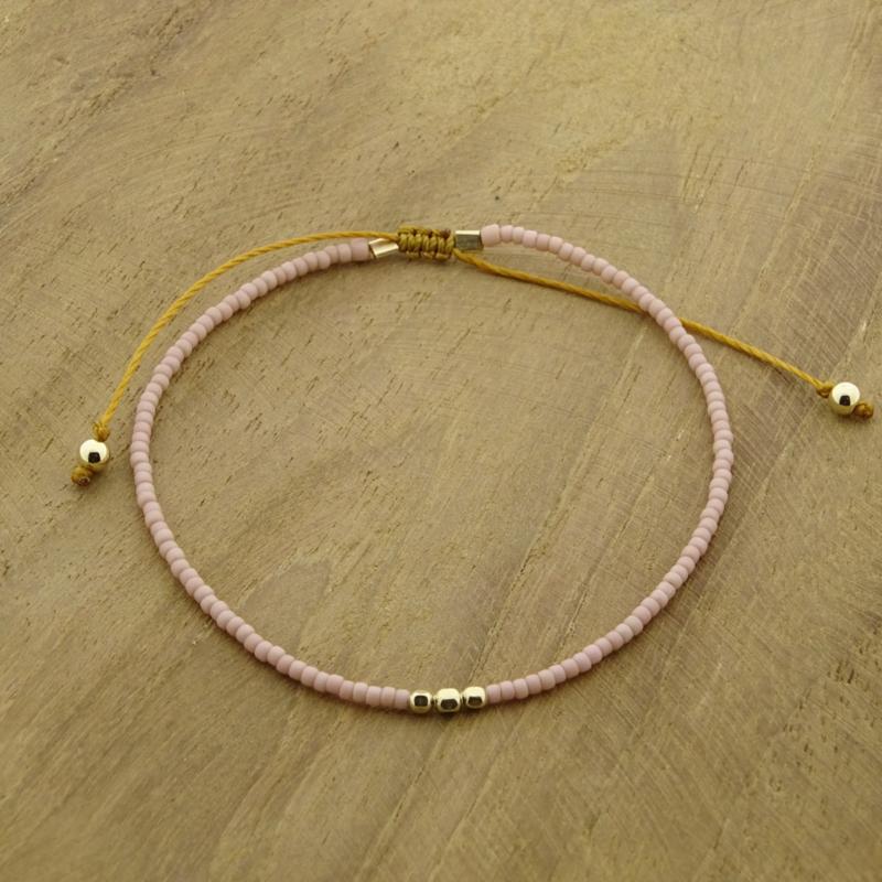 Minimalist // Soft pink Gold