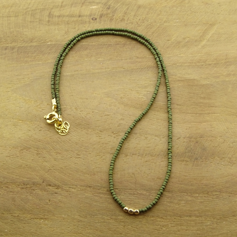 Minimalist necklace // Green Gold