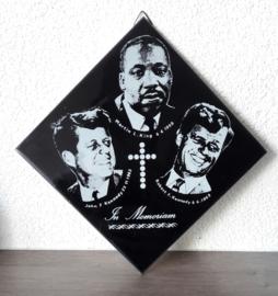 In memoriam tegel M. L. King + J. F. Kennedy + R. F. Kennedy