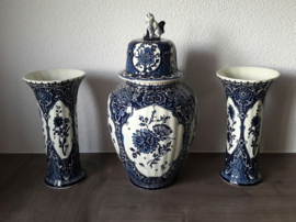 Delfts blauw kaststel (3 delig), made for Royal Sphinx Holland, by Boch