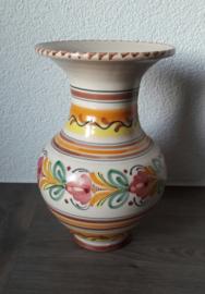 Bloemenvaasje aardewerk (20 x 13 cm)