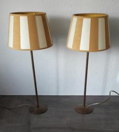 Set van twee staande tafellampen (47,5 x 20,0 cm)