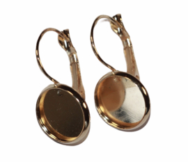 Oorbellen light-gold 25 x 14mm + cabochon setting 12mm. French lever back per paar.