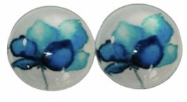 Glas flatback cabochon 12mm bloem blauw, per 2 stuks