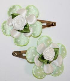 Haarclipjes bloem zachtgroen/wit en roosje wit
