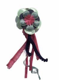 Sleutel- of tassenhanger: bloem en bandjes/kantjes
