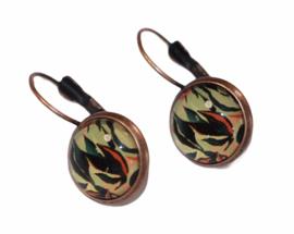 Oorbellen red copper French lever back, glas cabochon blad 12 mm